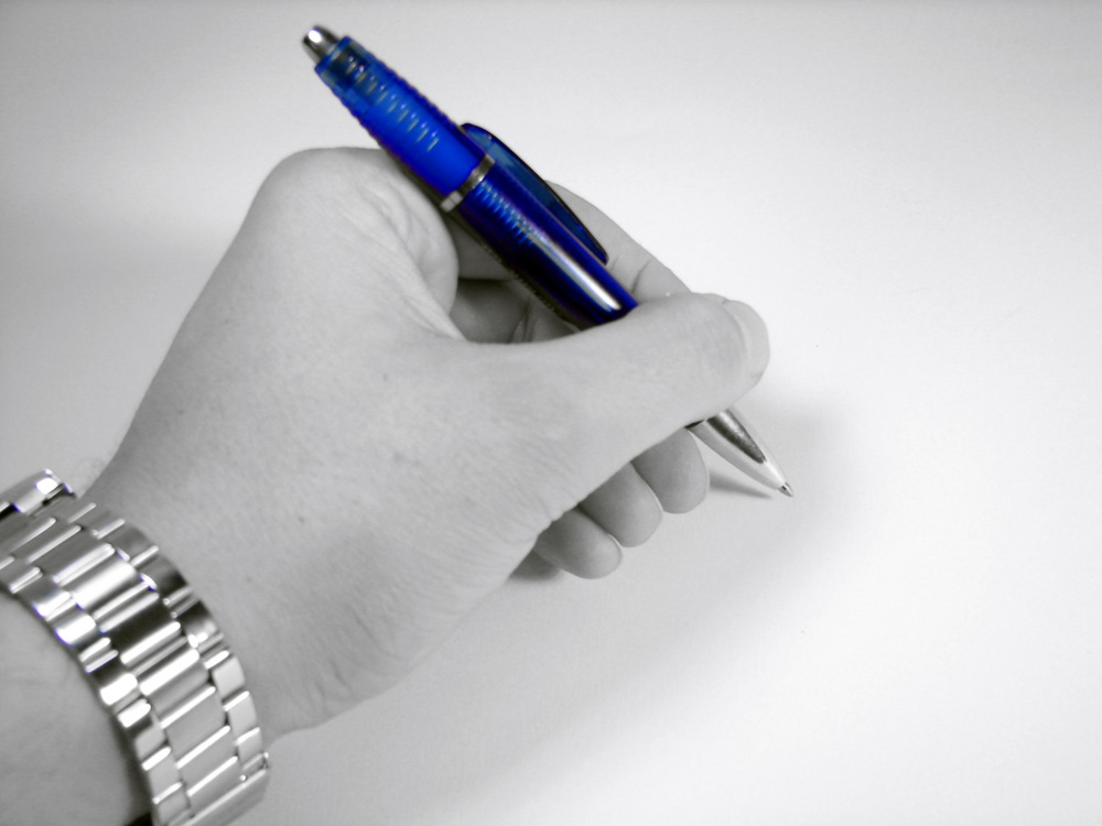 What are the advantages and disadvantages of being left- handed?