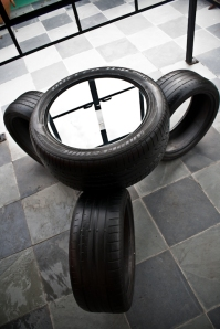 eccotrack-recycled-tire-furniture-5_bP3XE_11446