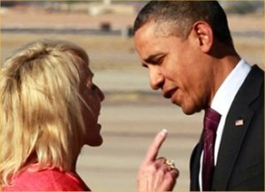 Jan-Brewer-pointing-finger-at-Barack-Obama