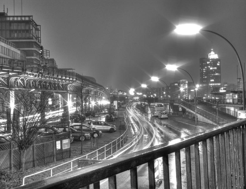 hamburg Gemany at night-67168_1280