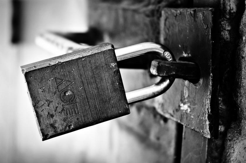 locked-1322793_1280