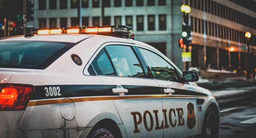 Police squad-car-1209719_1920